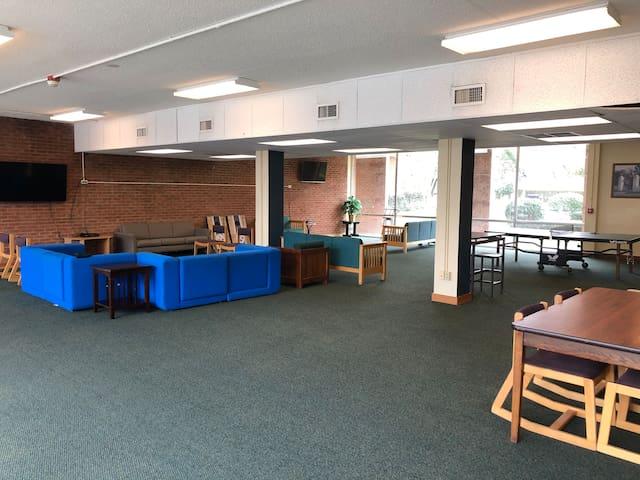 FULL ACCESS Lobby Area