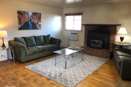 3 bedroom 1 bath home on HWY 99 in Gridley