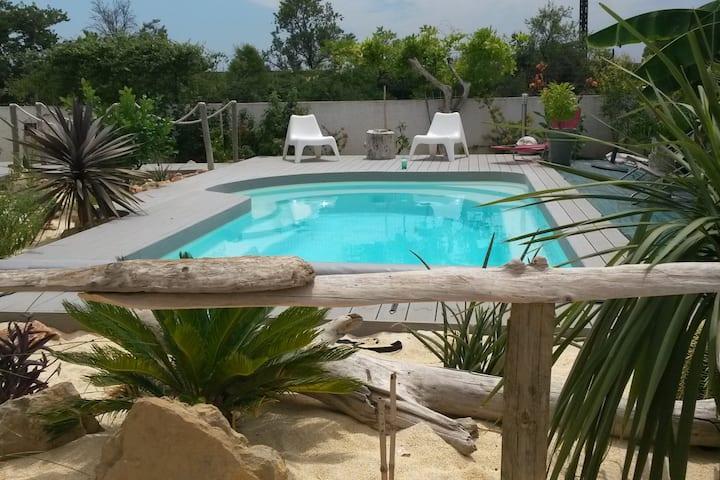 Villa de standing avec piscine, entièrement privée