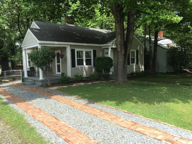 Charming 2BR House In NoDa