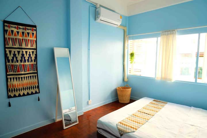 A double room on old city 6000b/per month