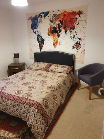 Comfy and Nicely furnished Double Room