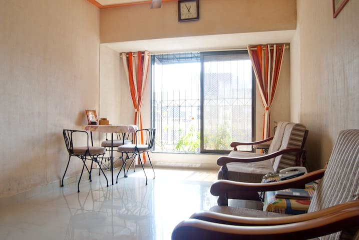 Private room only for Females - Mumbai - Wohnung