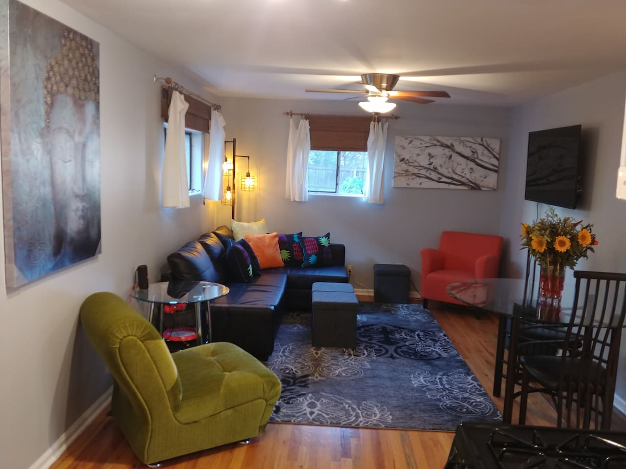 This private home is perfect for the business traveler and designed for a 30 plus day corporate stay. Enjoy the quiet work space, high speed internet access,  and spacious living room for meetings.