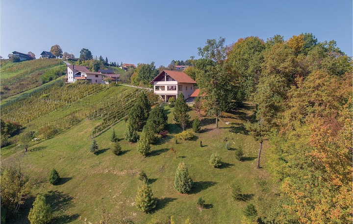 Beautiful home in Stubicke Toplice with Sauna and 2 Bedrooms