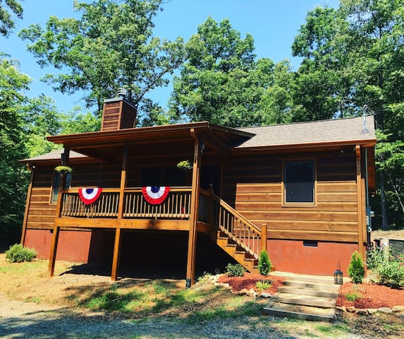Deer Crossing Cabin in Ellijay Georgia - Ellijay - Huis