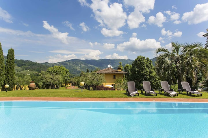 VILLA STEFFY - IDEAL FOR FAMILIES AND PETS, PRIVATE POOL FREE WIFI