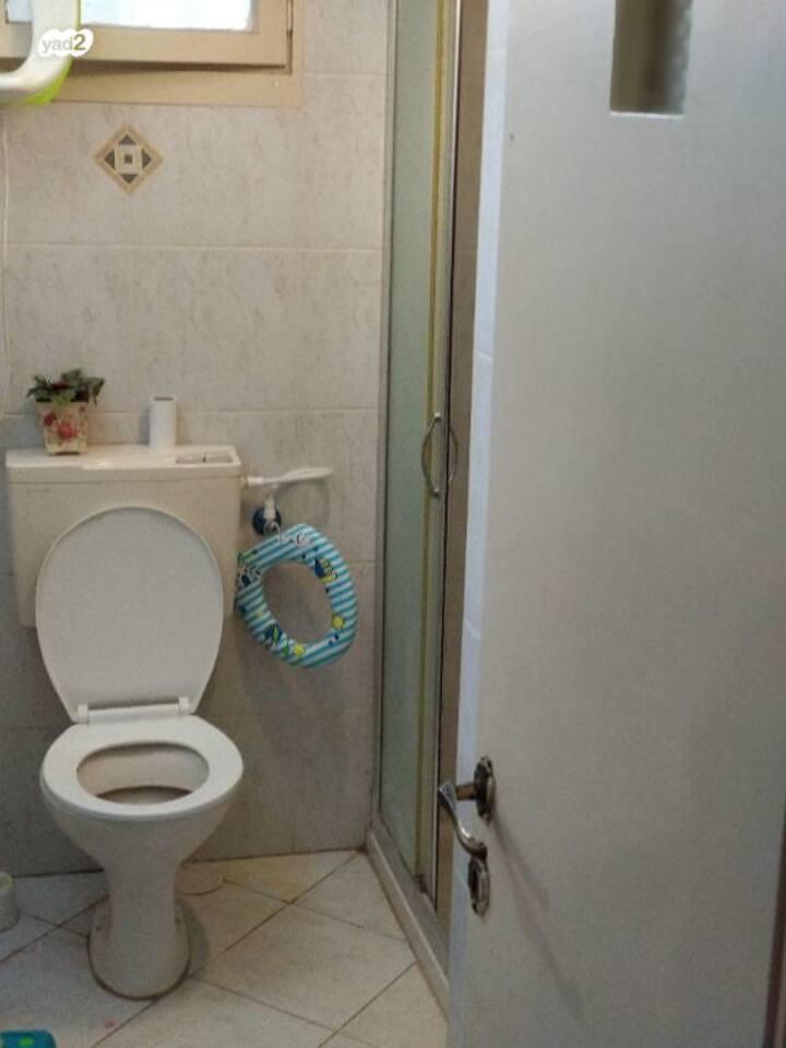 Haifa, room 2,5