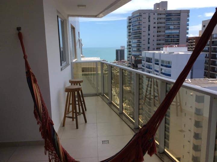 Clima tranquilo com vista para o mar de Itapuã.