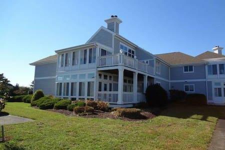 Spacious Vacation Villa~Condo - Ocean View