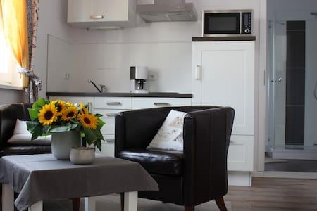 Zentrales Apartment zum Wohlfühlen - Lägenhet