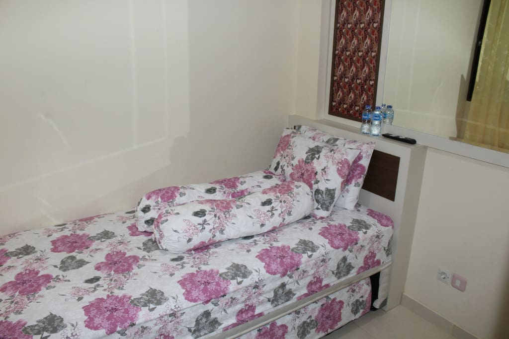 2x single bed for 2 persons