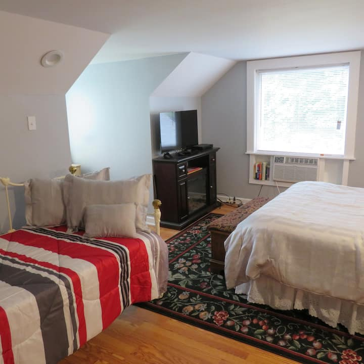 NICE  STUDIO  NEAR I-40/85 AND TANGER OUTLETS