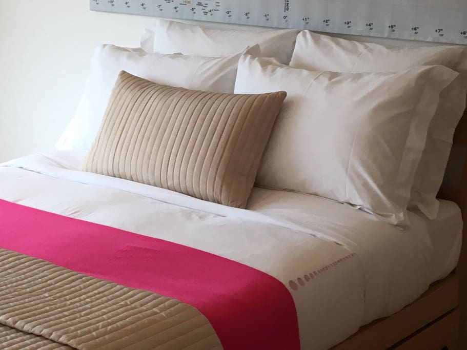 Double bed with memory foam mattress and high quality bed linen.