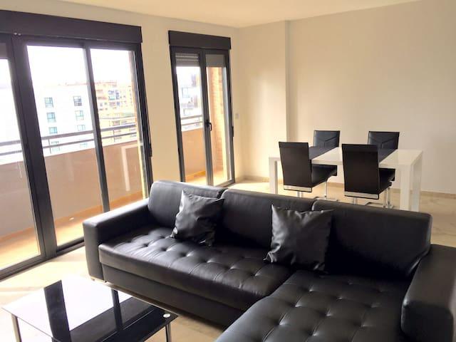 Fantástico duplex de 4 habitaciones - València - บ้าน
