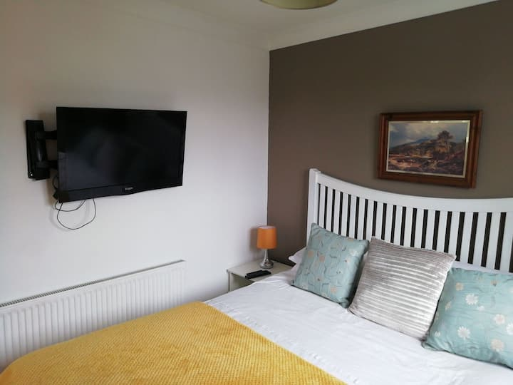 Double room to let daily weekly or monthly basis