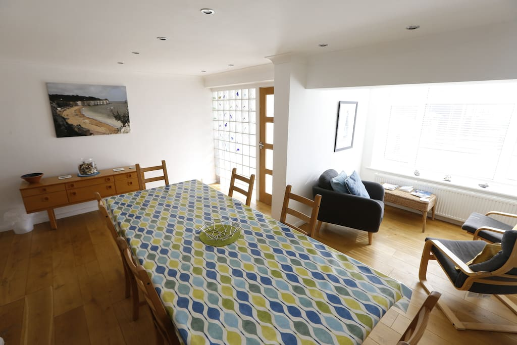Another angle of the dining/chill-out area Beach Retreat - Holiday Lets In Kent - Broadstairs