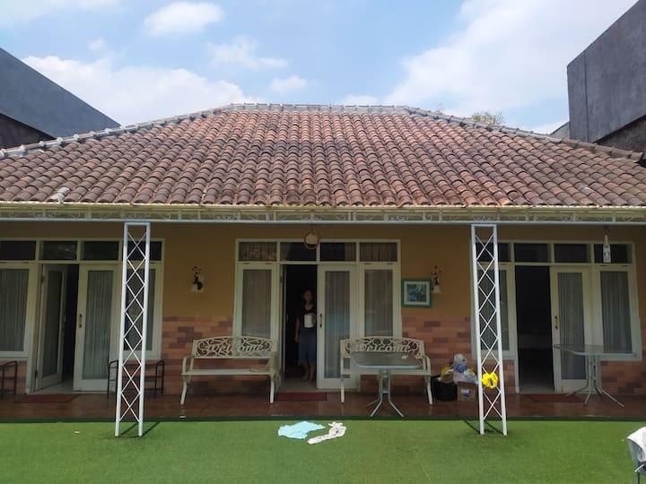 Villa Setra Duta, Rooms Only