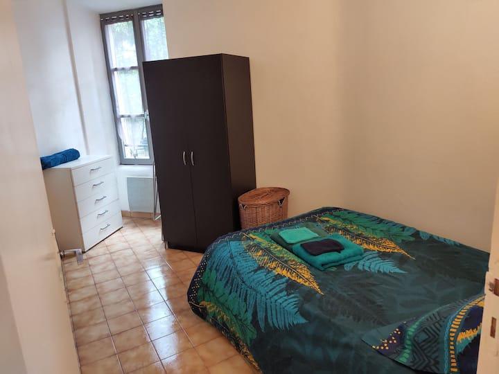 Petit appartement sympa centre Aubenas