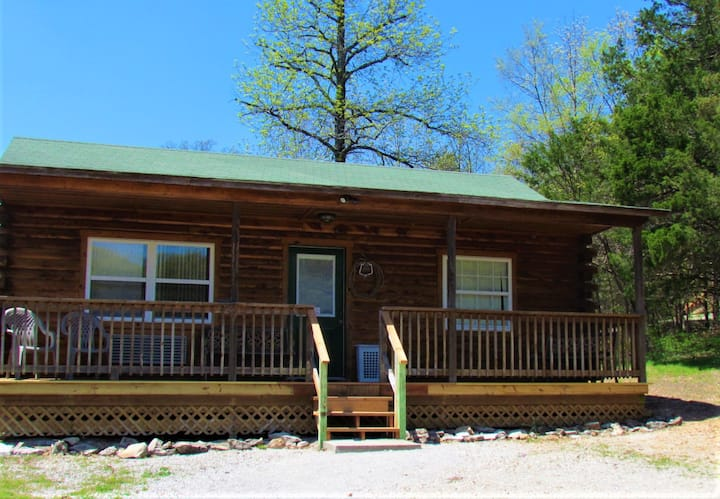 Cabin for 6  by Lake Leatherwood Gravity Trails