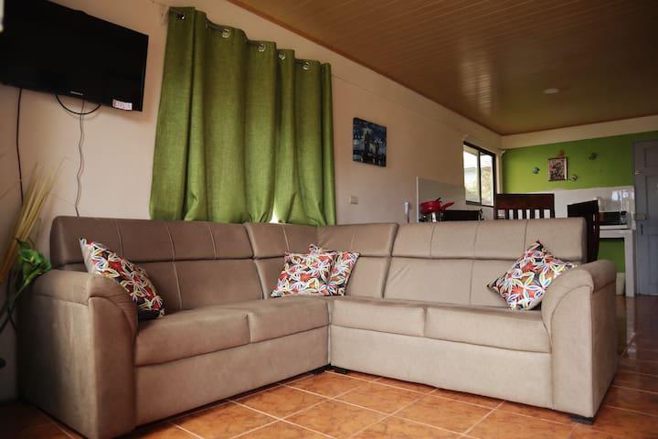 House Cattleya
