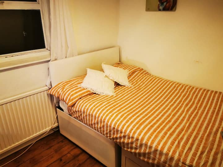 """Modern Double Bedroom Available """"Contact us now"""""""