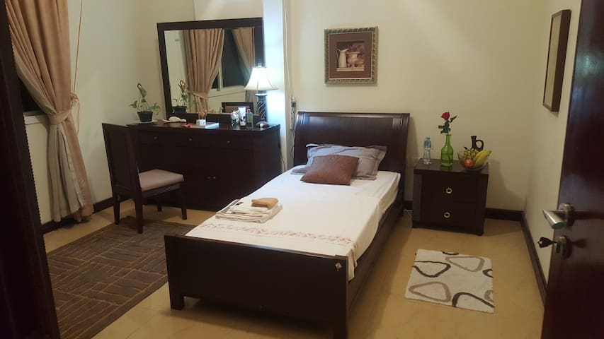Jans house - 1 bedroom in Doha central location