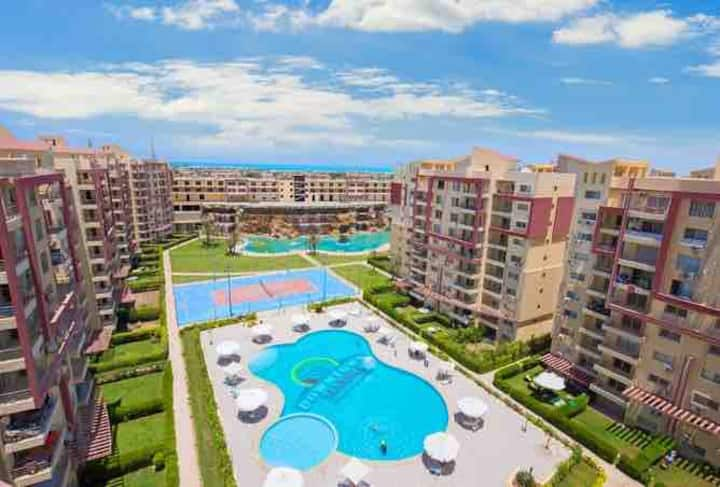 Sweet 3-bed apartment in a resort at North Coast