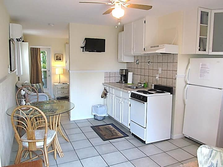 Casitas On The Key #5 ~ Englewood, Florida - Cottages for ...
