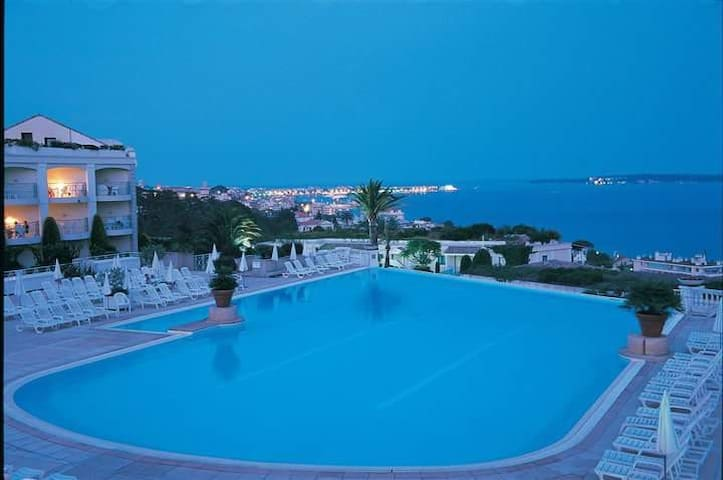 Cannes,Appartement Residence avec Piscine - Cannes - Apartment