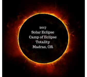 Camp of Eclipse Totality Tent Spc 5 - Madras - Tent