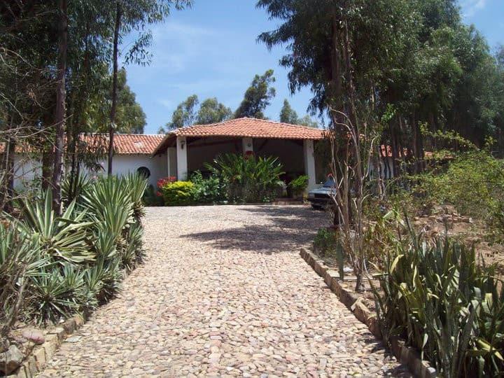 Palmeiras-Casa de Cavalcanti- Suíte casal/solteiro