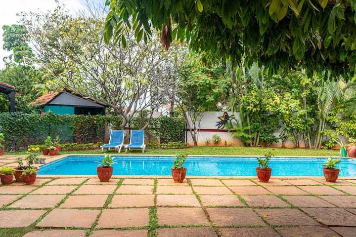 Firefly Homestay 1BR@Bangalore w/Pool +Chef+ Lawn+