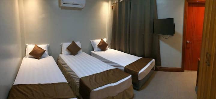 Casa Domingo: 2F 3ple Room Own T&B & Terrace