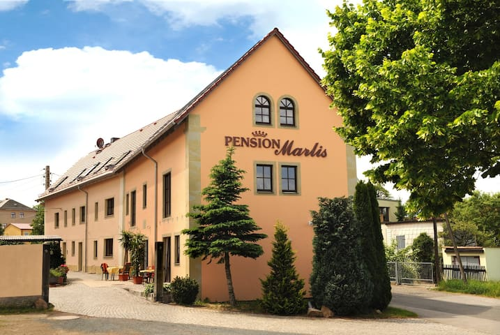 Pension Marlis - gemütliche Zimmer in Moritzburg