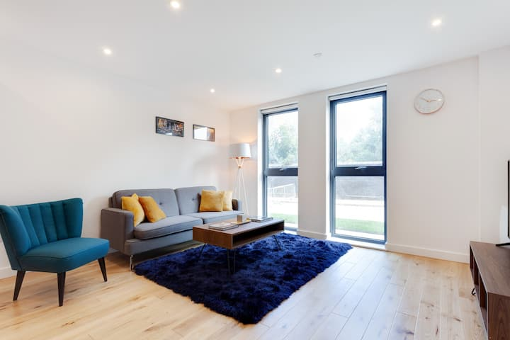 Modern and Stylish 1Bed Flat Centrally Located