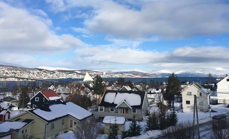 Perfect location. Room with a view! - Tromsø