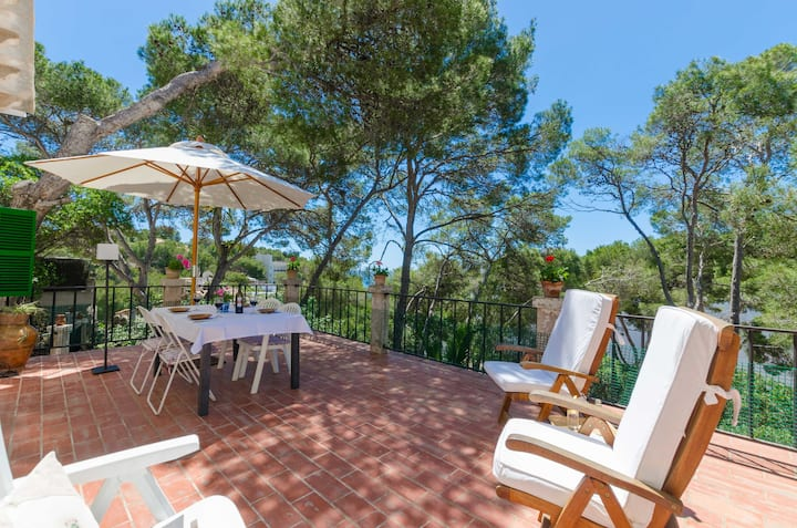 CAN PUIGSERVER - Chalet with sea views in Santanyi. Free WiFi