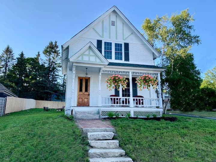 Gorgeous, Spacious Colonial in the Heart of Town