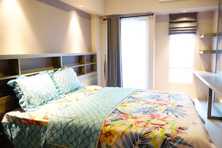 Homey Designer Studio with 2 beds, Pakuwon Mall