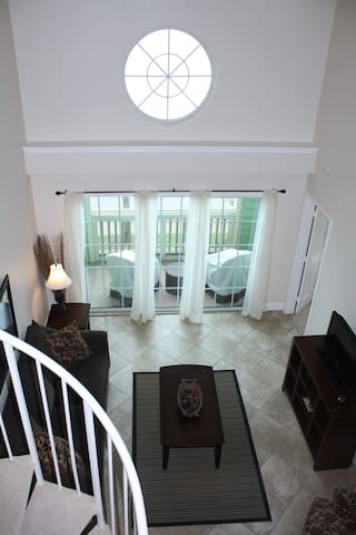 Beachfront loft. Booked? Check my other 2 condos! - Galveston - Appartement en résidence