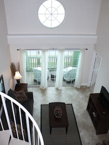 Beachfront loft. Booked? Check my other 2 condos! - Galveston