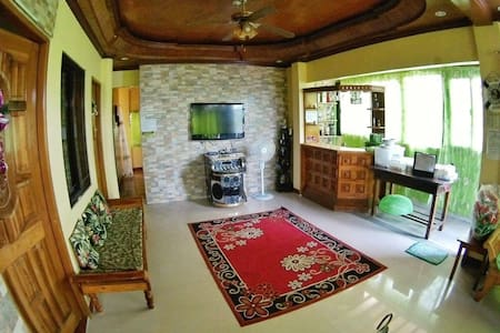 LAIYA BEACH HOUSE Rental -Rexon&Kiten-Sleeps 30pax - San Juan - Rumah