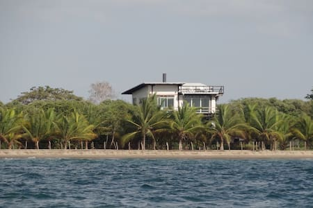 Casa en la Playa Acuarela, Tolu, Co - Tolú