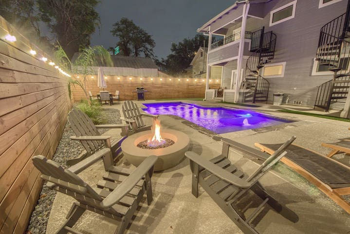 Enjoy great conversation around the warm gas fire pit.