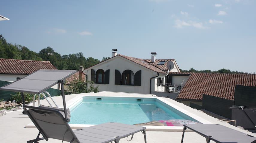 Old stone house with swimming pool near Opatija
