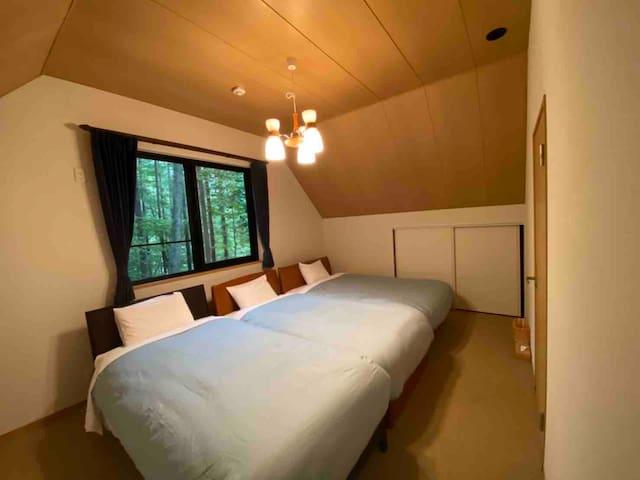 ベッドルーム①・・・Sベッド×2、SDベッド×1
