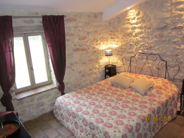 Double room-Framboise-Queen-Private Bathroom-Countryside view