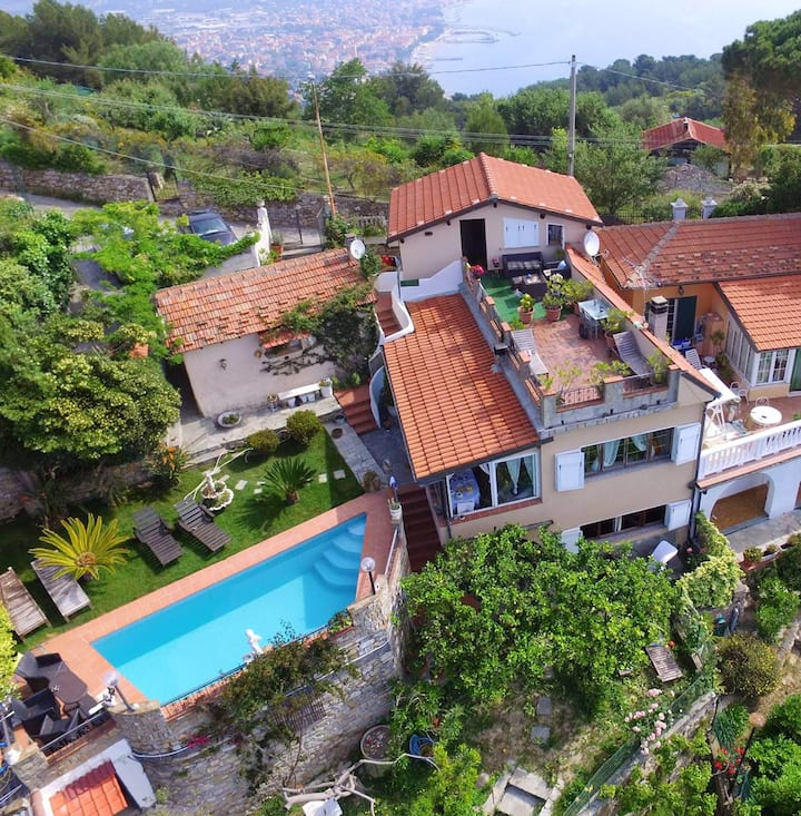 Villa with 3 bedrooms in Imperia, with wonderful sea view, private pool, enclosed garden - 3 km from the beach