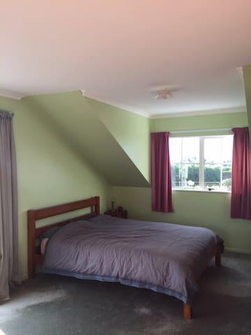 Dorm room (5 beds)